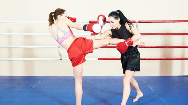 women doing Muy Thai