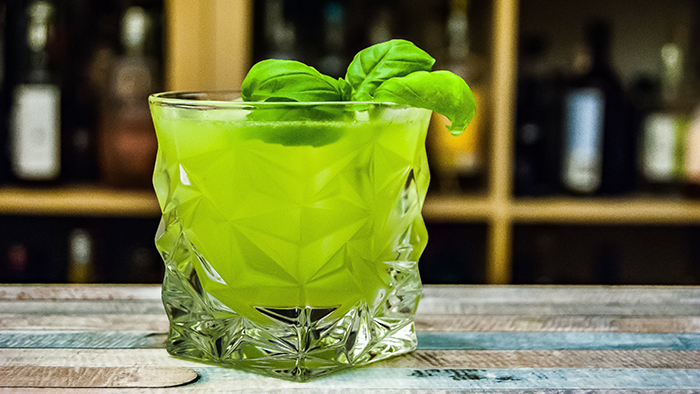 minty organic greens drink