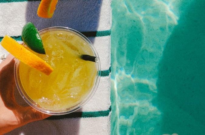 Citrus Peach BĒA drink